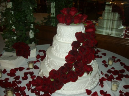 Maroon And White Wedding Cakes - 5000+ Simple Wedding Cakes